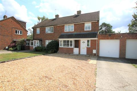 3 bedroom semi-detached house to rent - Bannister Road, Burghfield Common, Reading, Berkshire, RG7