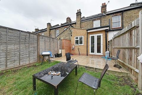 3 bedroom semi-detached house for sale - Morley Avenue, Wood Green