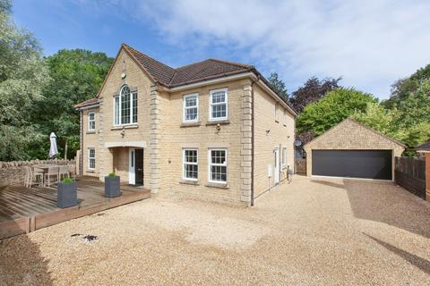 5 bedroom detached house for sale - Lake View, Calne