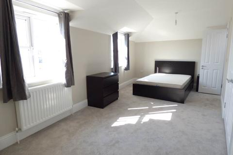 Studio to rent - Boundary Road, Hove, East Sussex