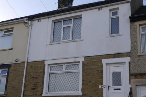 3 bedroom terraced house to rent - Moorside Road, Eccleshill, Bradford, BD2