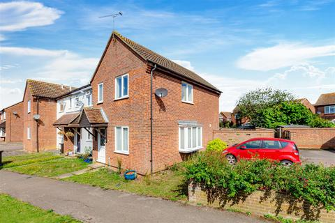 3 bedroom semi-detached house for sale - Galahad Close, Burnham-On-Crouch