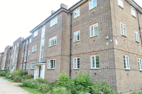 2 bedroom flat to rent - South Woodford