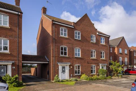 4 bedroom semi-detached house to rent - Lancaster Way, Brough