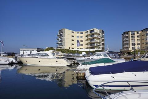 3 bedroom apartment to rent - Salterns Point, 36 Salterns Way, Poole
