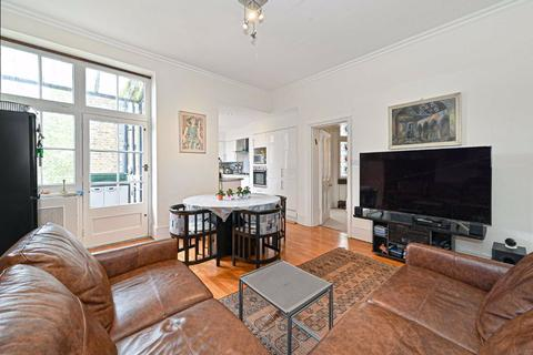 4 bedroom flat for sale - Vale Court, London, W9