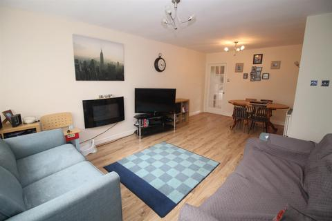 2 bedroom flat for sale - Haggerston Crescent, Newcastle Upon Tyne