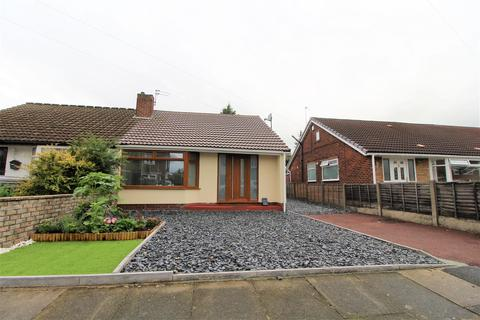 2 bedroom semi-detached bungalow for sale - Roundthorn Road, Middleton, Manchester