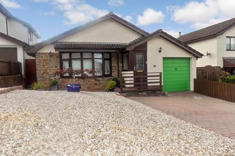 3 bedroom detached bungalow for sale - The Meadows, Cimla, Neath, Neath Port Talbot. SA11 3XF