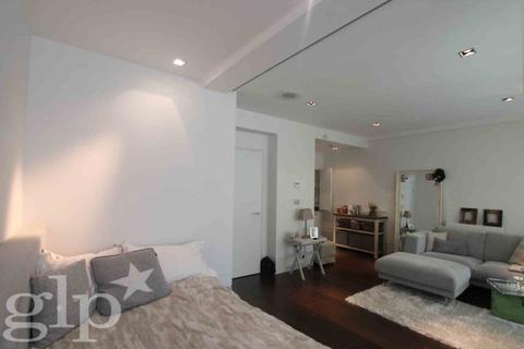 Studio to rent - St Martins Lane, Covent Garden, WC2E