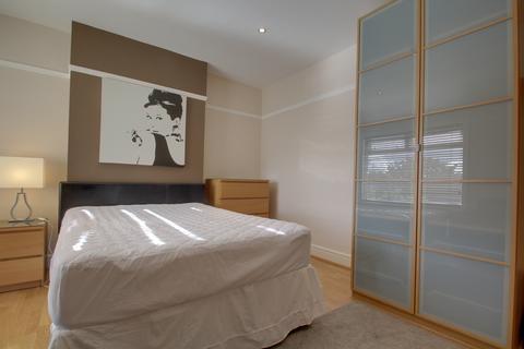 Studio to rent - Blackacre Road, Dudley