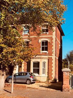 Studio to rent - Alexandra Road, Reading, RG1 5PE
