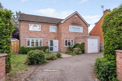 4 bedroom detached house for sale - Tudor Road, Newbury, Berkshire, RG14