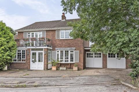 5 bedroom detached house for sale - The Spinney, Lower Sunbury, TW16