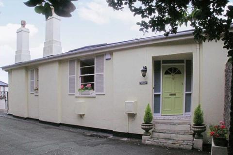 2 bedroom apartment to rent - Middle Warberry Road, Torquay