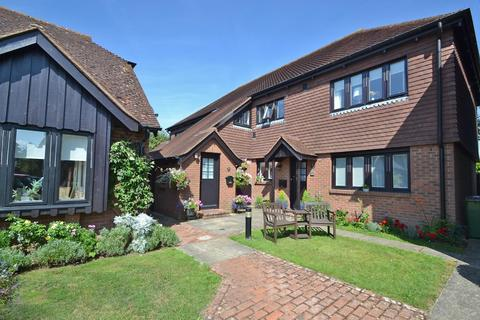 2 bedroom flat for sale - Central village location, West Chiltington, West Sussex RH20