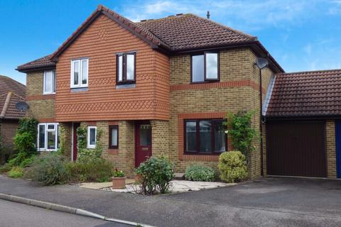 3 bedroom house for sale - Mayhouse Road, Burgess Hill, RH15