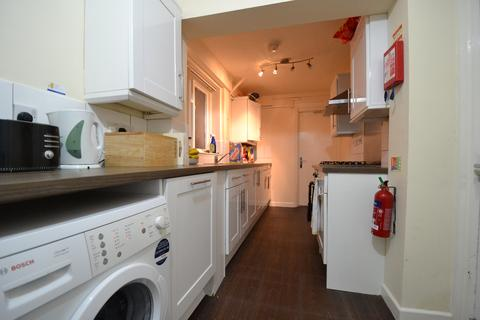 5 bedroom terraced house to rent - HOUSE SHARE - Lovely 5 Double Bedroom, 2 Bathrooms House on Milner Road, Selly Oak, Birmingham 2019 - 2020