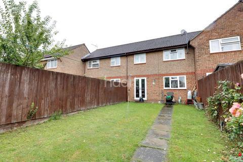 3 bedroom terraced house for sale - Runham Close, LU4