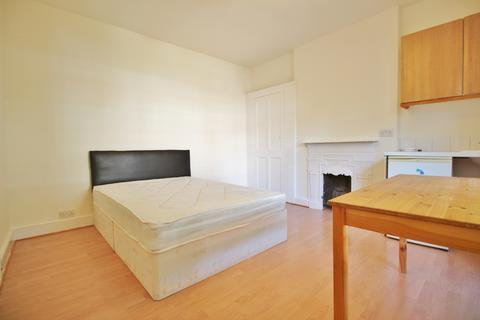 House share to rent - Barrington Road, Crouch End N8
