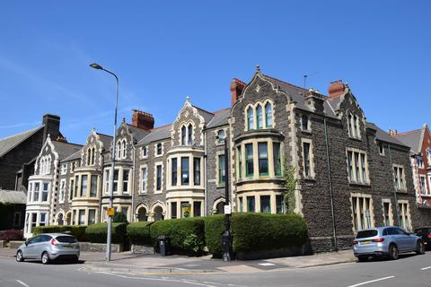 Studio to rent - Cathedral Road, Cardiff