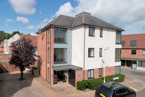 2 bedroom flat for sale - Teddington Drive, Leybourne Chase