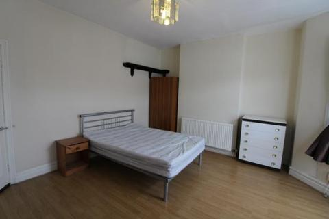 5 bedroom terraced house to rent - Monthermer Road, , Cardiff