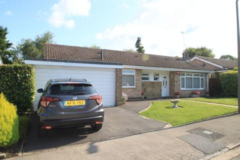 3 bedroom detached bungalow for sale - Dovecote Close, Princes Risborough