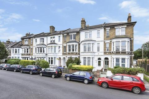 2 bedroom flat for sale - Worlingham Road, London SE22