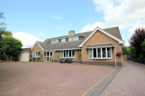 5 bedroom detached house for sale - Stone Road, Tittensor