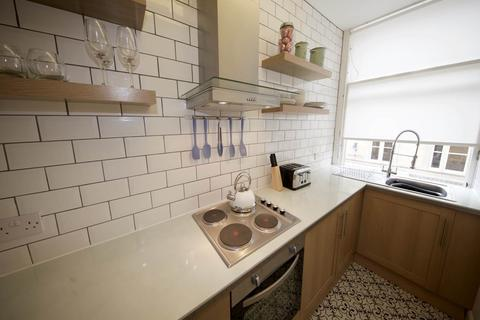 2 bedroom flat to rent - Whitehall crescent, , Dundee