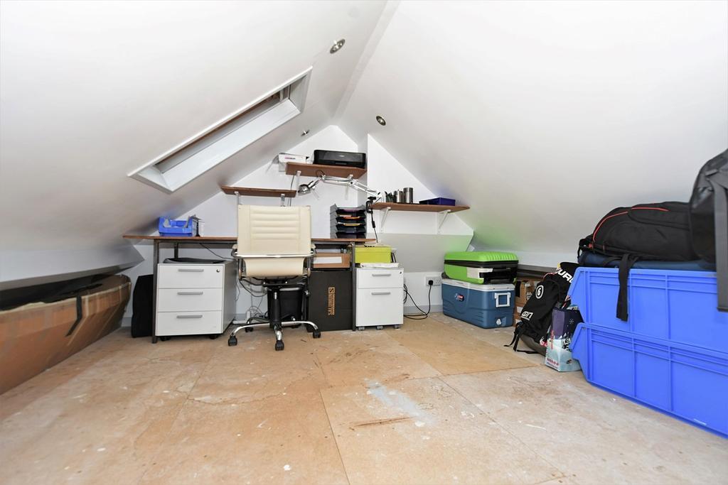 Bonus Loft Room