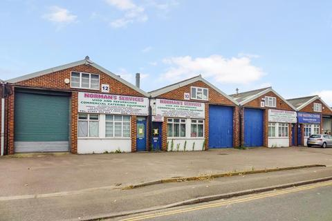 Industrial unit to rent - 8-12 Concorde Road, Norwich, Norfolk
