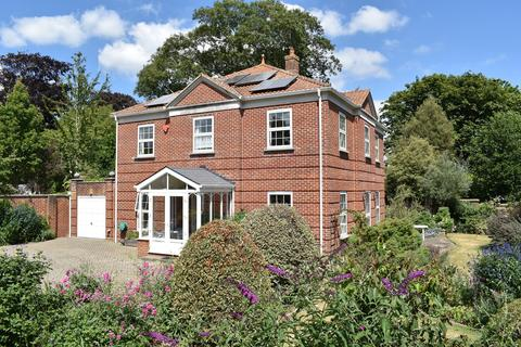 4 bedroom detached house for sale - West Hayes, Lymington, SO41