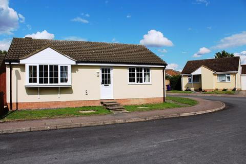 2 bedroom detached bungalow for sale - Westell Close, Baldock, SG7