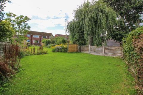 3 bedroom semi-detached house for sale - Ivy Road, Poynton, Stockport, SK12