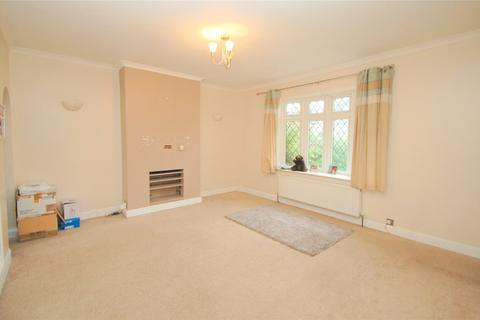 2 bedroom terraced house for sale - Crescent Avenue, Hornchurch, RM12