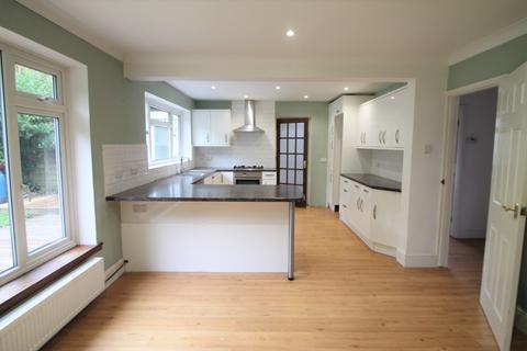5 bedroom detached house to rent - Bentlif Close, Maidstone, Kent, ME16 0EH