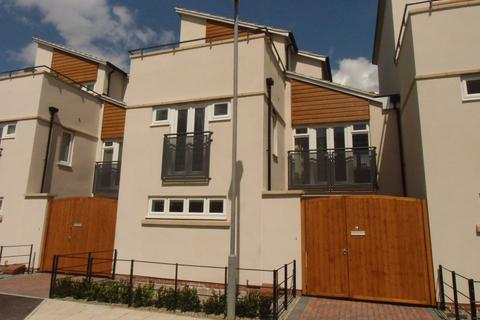 3 bedroom link detached house to rent - Darnall Road, Leicester LE2