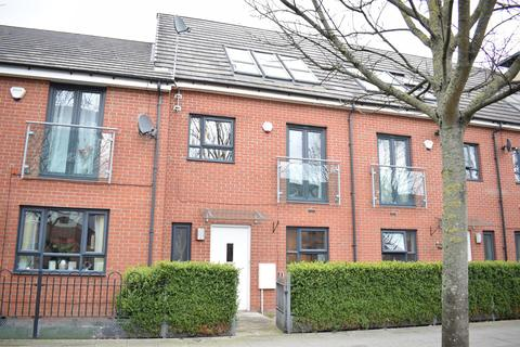 3 bedroom terraced house to rent - Broughton Lane, Salford, M7 1UF