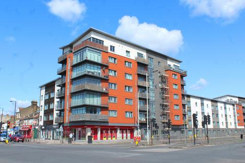 2 bedroom flat for sale - The Roundway, London N17