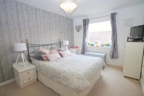 1 bedroom flat for sale - Berberis House, Feltham, TW13