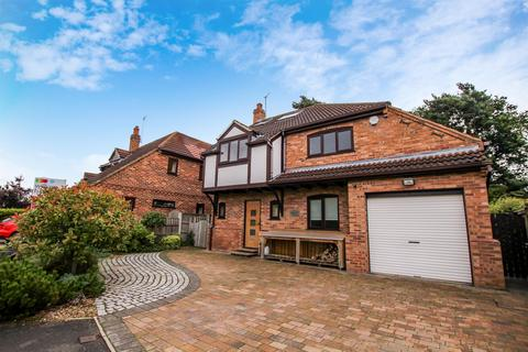 4 bedroom detached house to rent - New Forge Court, Towthorpe Road, Haxby, York, YO32 3YA