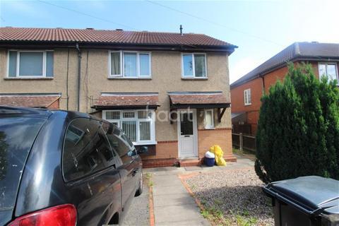 3 bedroom semi-detached house to rent - The Fairway off Saffron Lane