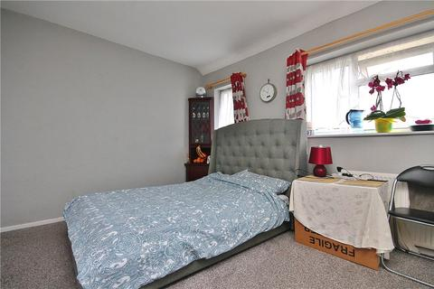 House share to rent - Elsinore Avenue, Staines-upon-Thames, Surrey, TW19