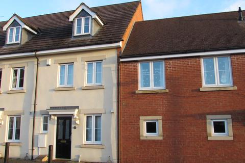 3 bedroom townhouse to rent - Wood End Close