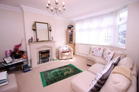 5 bedroom semi-detached house for sale - Sherborne Avenue, Southall, Middlesex, UB2