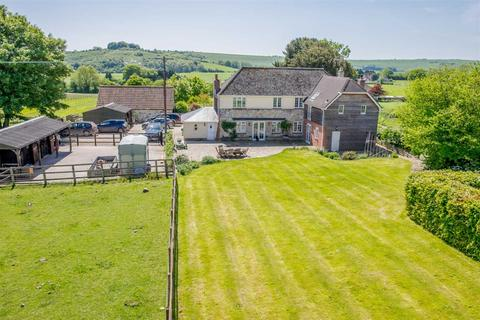 5 bedroom equestrian property for sale - Yew Tree Cottage, Sutton Mandeville