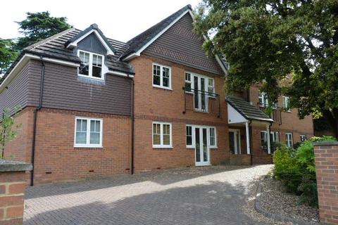 2 bedroom flat to rent - HARROW LANE MAIDENHEAD BERKSHIRE SL6
