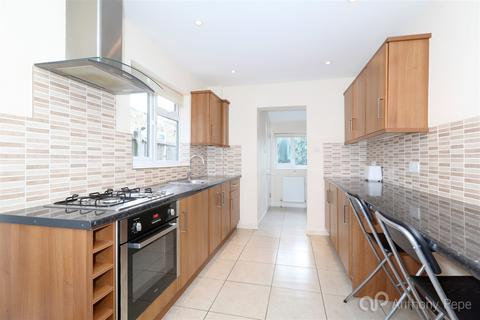 3 bedroom terraced house to rent - Palace Road, Bounds Green, London, N11
